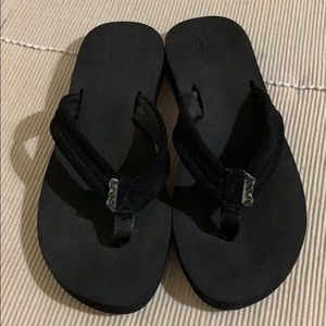 Reef. Cushion Black Flip Flop Sandals EUC